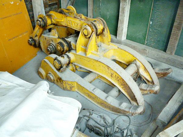 <中古アタッチメント> オカダアイヨン製 コマツPC220-6E用 機械式フォーク