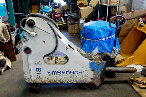 油圧ブレーカー F12 古河機械金属製