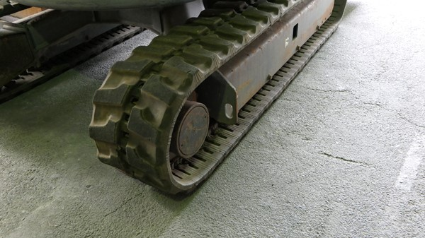 コマツPC30MR-3