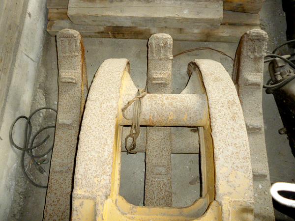 オカダアイヨン製機械式フォーク5