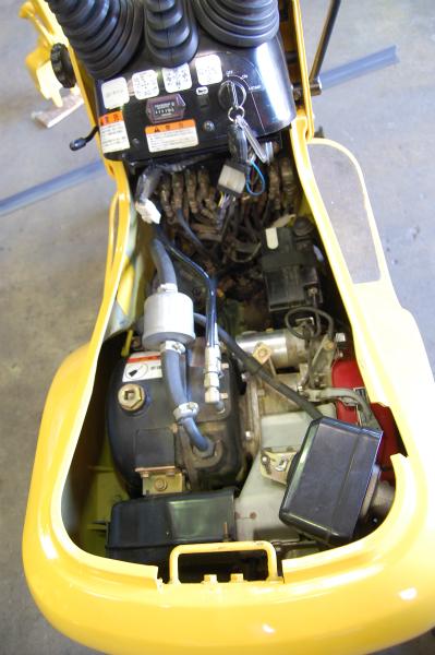 コマツ PC01-1 エンジン内部